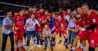 Image de l'article Les maillots 2018-2019 du GFC Ajaccio Volley signés Macron