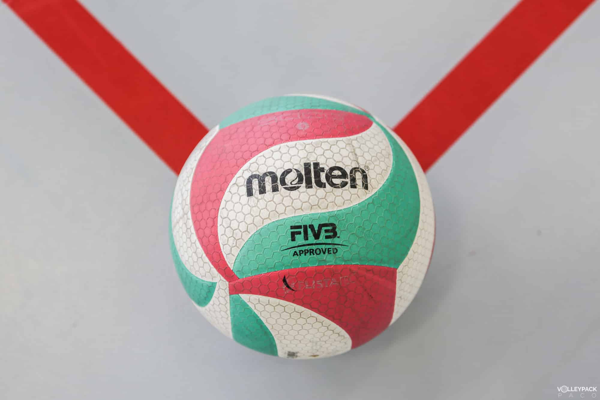 ballon-volley-ball-molten-V5M5000-volleypack-10