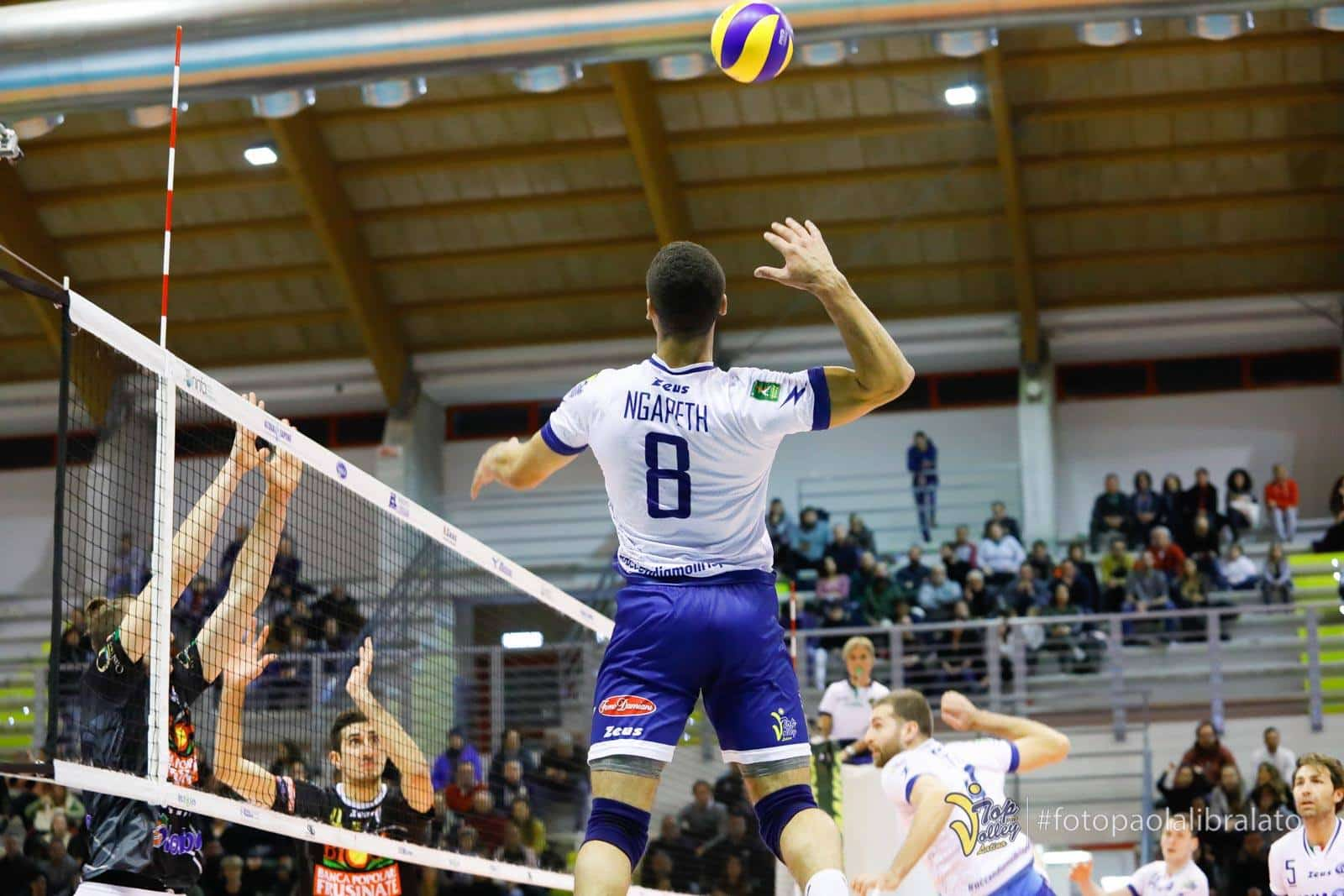 volleypack-focus-sur-swan-ngapeth-2019-10