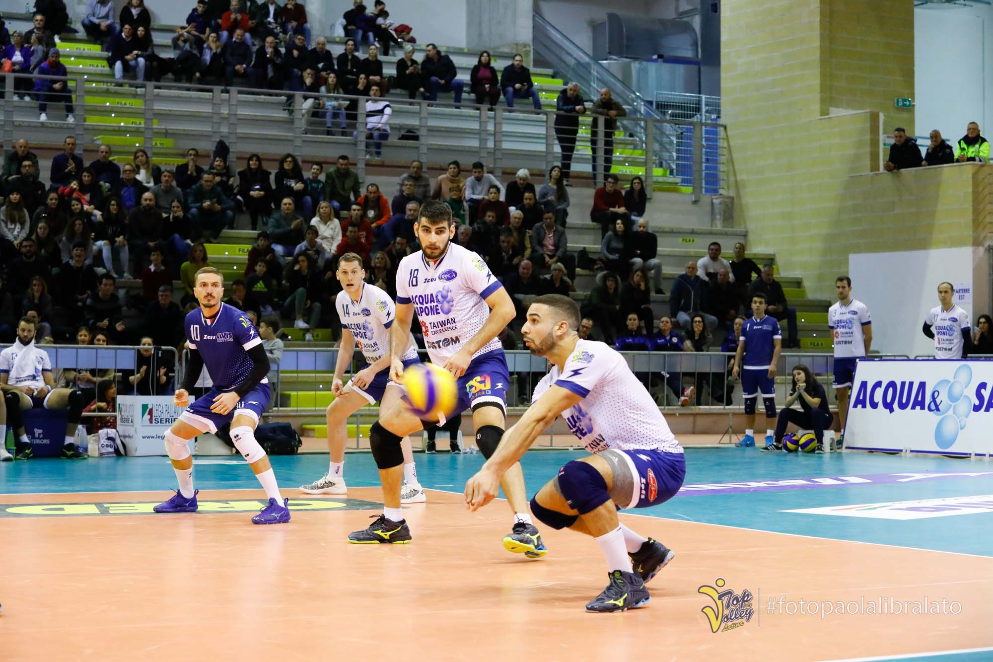 volleypack-focus-sur-swan-ngapeth-2019-11