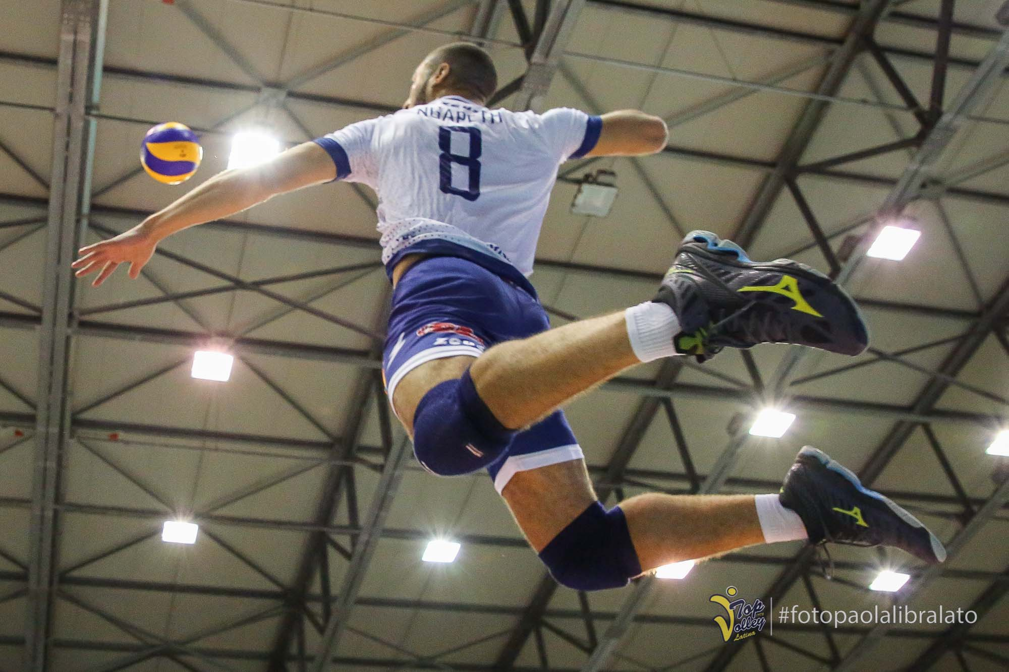 volleypack-focus-sur-swan-ngapeth-2019-13