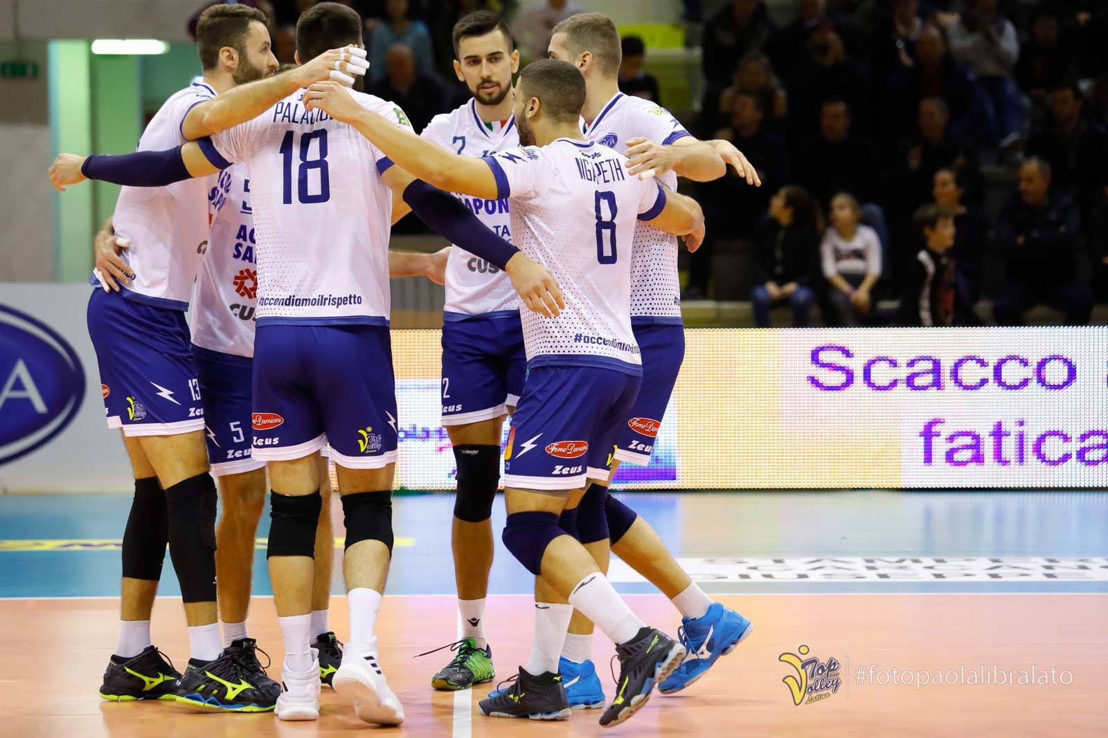 volleypack-focus-sur-swan-ngapeth-2019-14