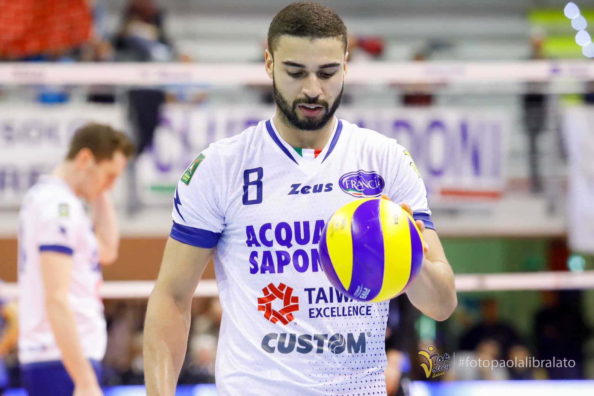 volleypack-focus-sur-swan-ngapeth-2019-7