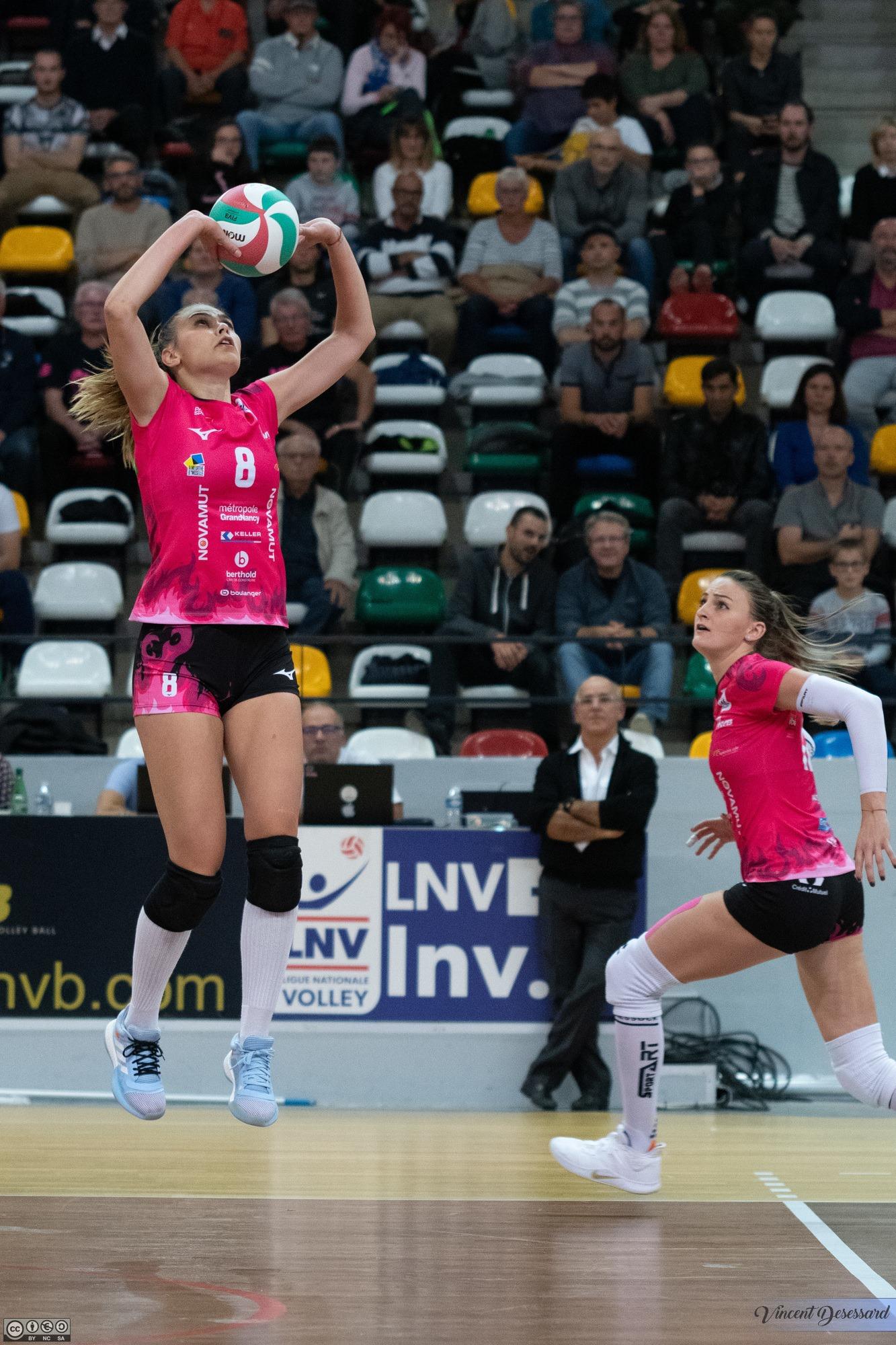 maillot-volley-LAF-2019-2020-VNVB-mizuno-2