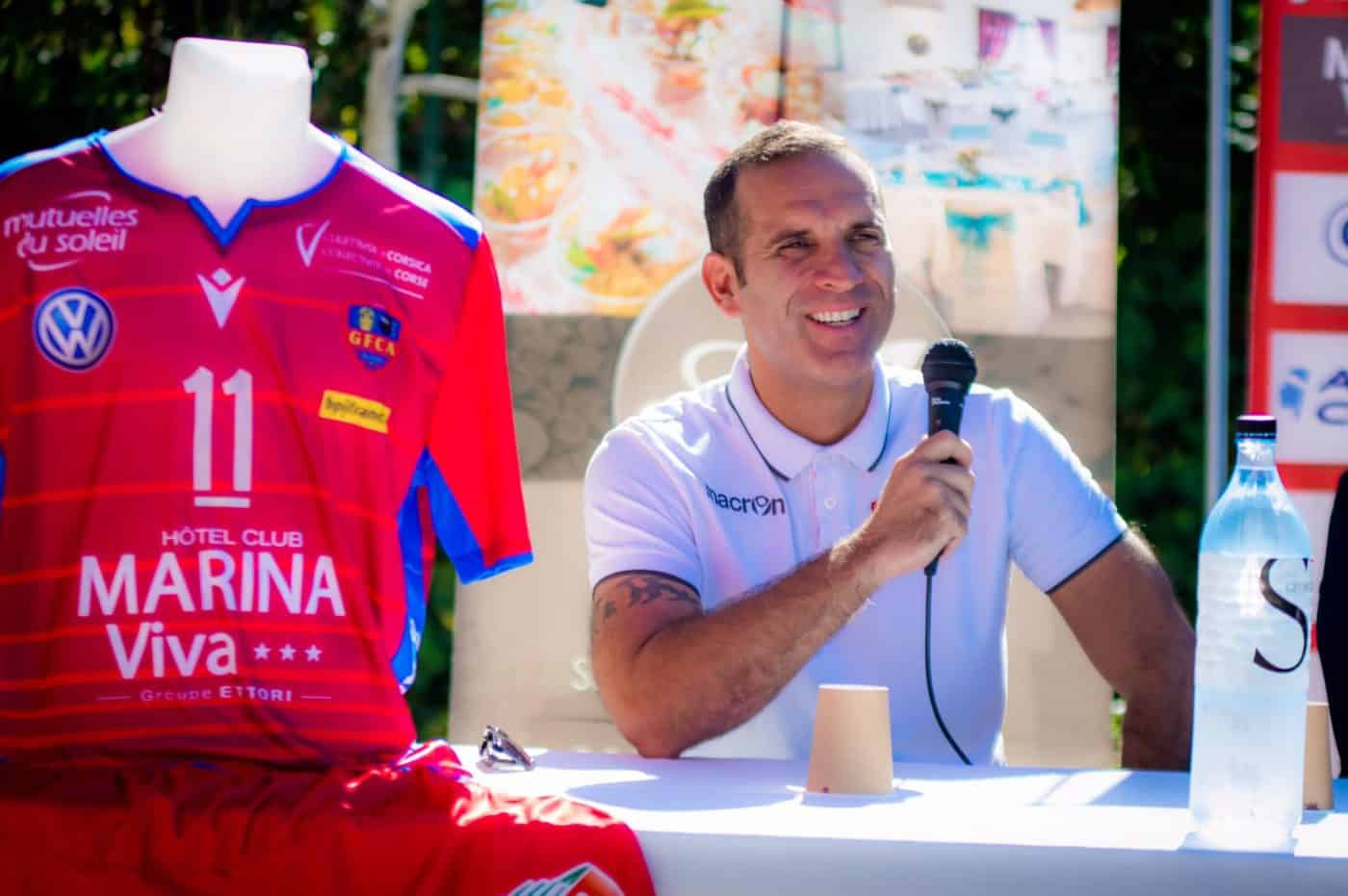 maillot-volley-LAM-2019-2020-GFCA-macron-1