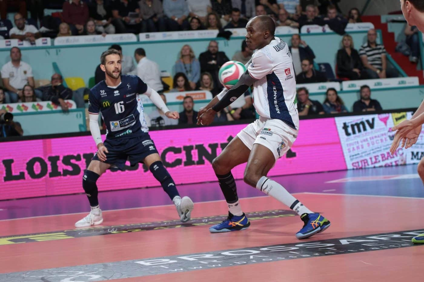 maillot-volley-LAM-2019-2020-tours-errea-1