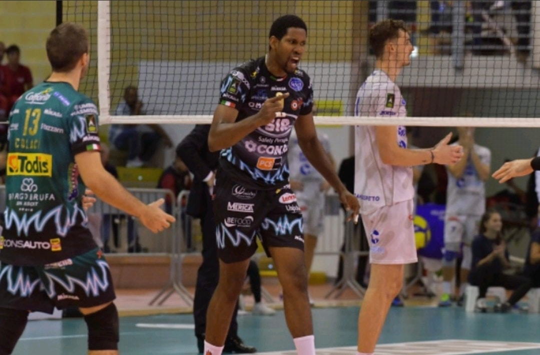 maillot-volley-serie-a-italienne-perugia-mikasa-1