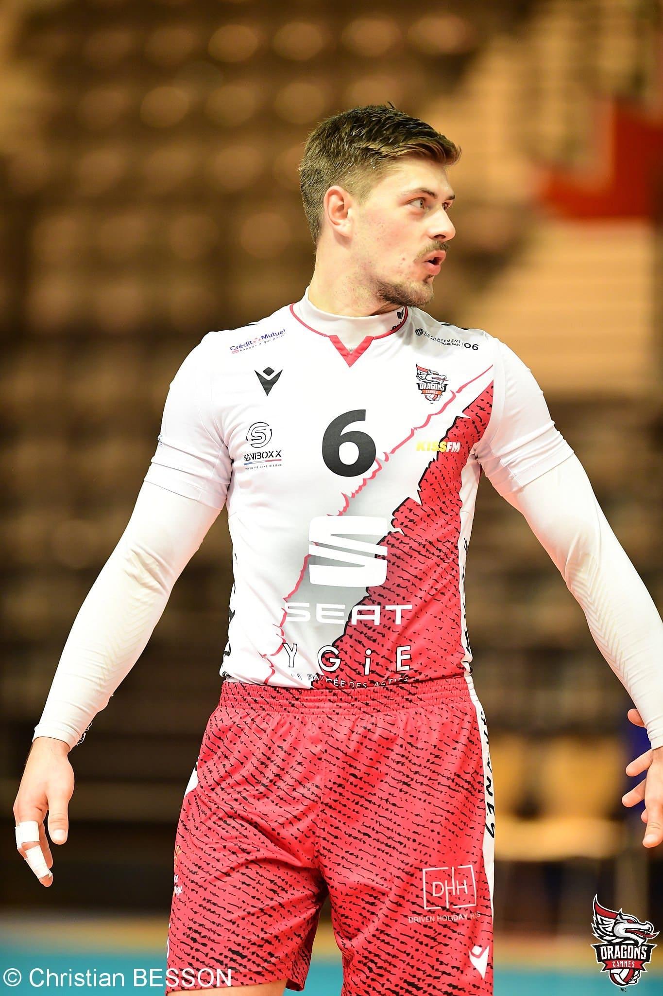 le-maillot-de-las-cannes-elu-le-plus-beau-de-la-saison-2020-2021-par-les-abonnes-de-volleypack-1